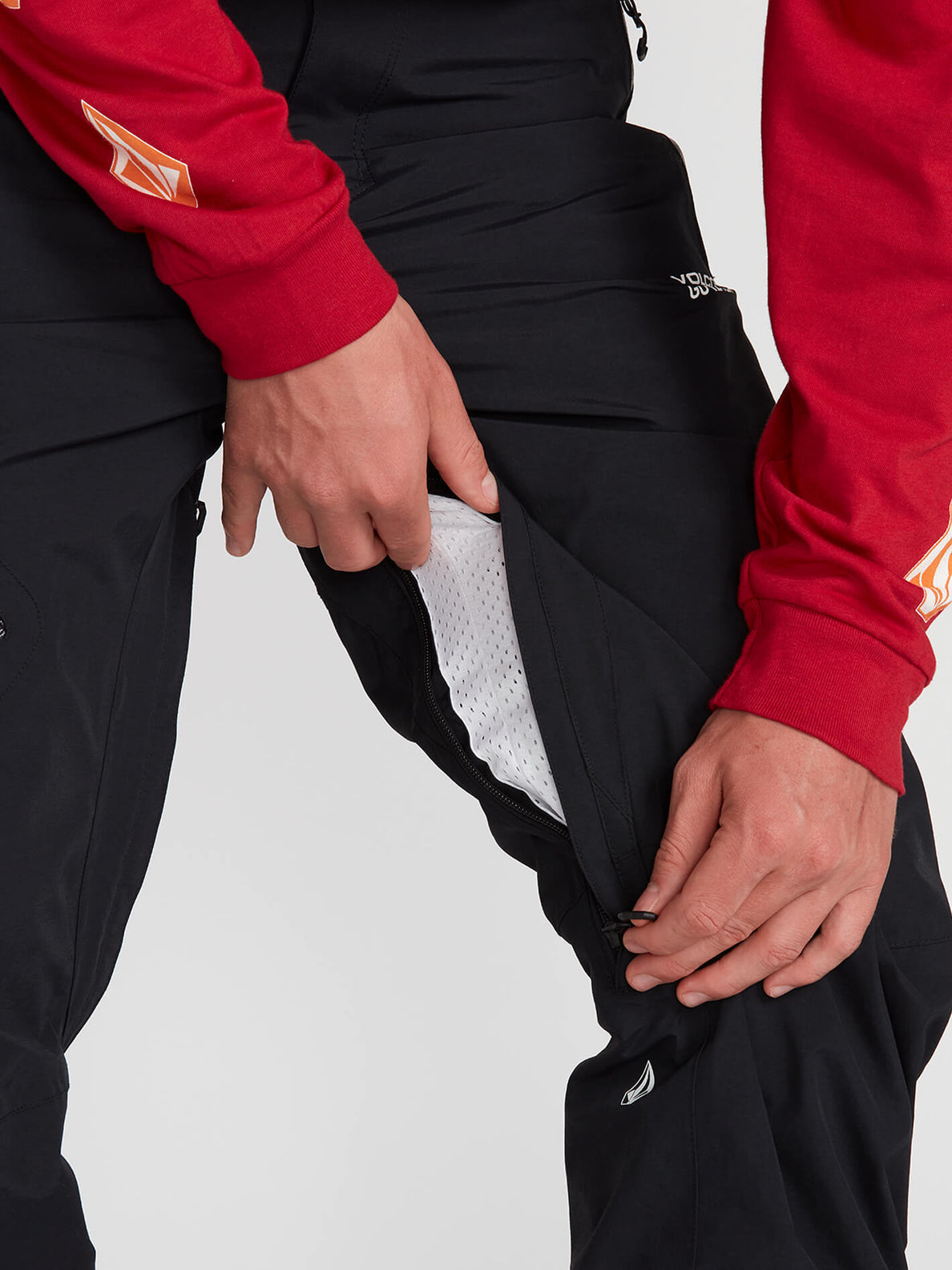 L Gore-Tex Pants - Black (G1351904_BLK) [04]