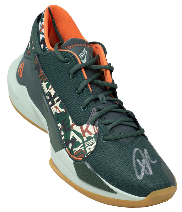 Giannis Antetokounmpo Signed Right Green Zoom Freak Shoe Bas Itp Sports Integrity
