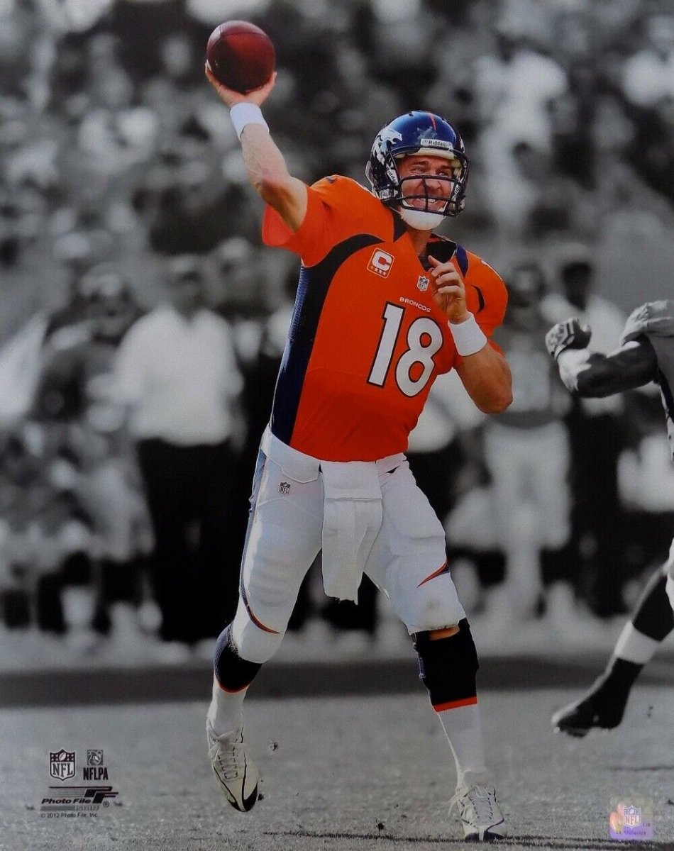 Peyton Manning Denver Broncos Unsigned 16x20 Photo - Sports Integrity