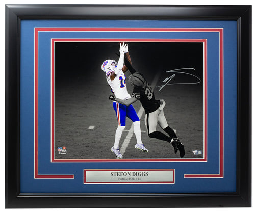 Stefon Diggs Signed Framed Buffalo Bills 11x14 Spotlight Photo Fanatics
