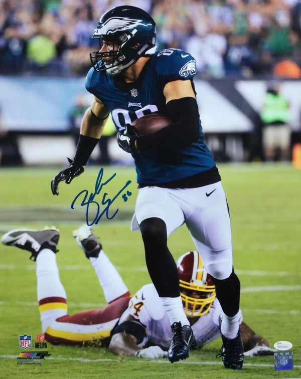 Zach Ertz Signed 16x20 Philadelphia Eagles Run vs Redskins Photo JSA - Sports Integrity