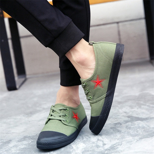 Super comfortable autumn army green canvas casual sneakers