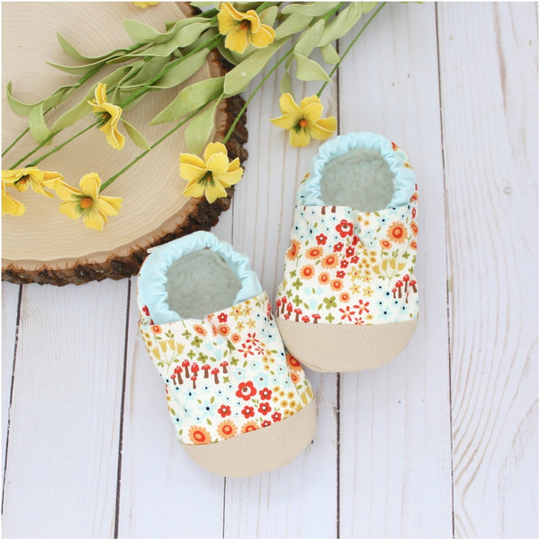 Cotton Non Skid Infant and Toddler Scooter Booties | Woodland Floral