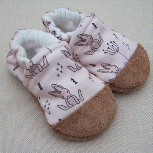 Snow and Arrow Organic Cotton Infant and Toddler Slippers | Baby Bunny