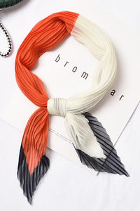 Color Block Pleated Neck Scarf