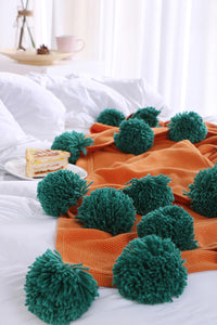 Pom-pom Cotton Blanket
