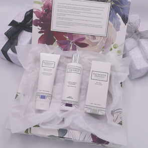 Limited Edition Gift Set with Sensitive Skin Rich Cream
