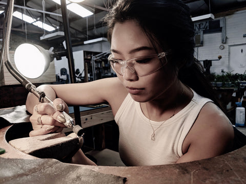 Maze Handmade designer Grace Li making handmade solid gold jewelry