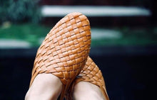 Load image into Gallery viewer, Camel Woven leather mule