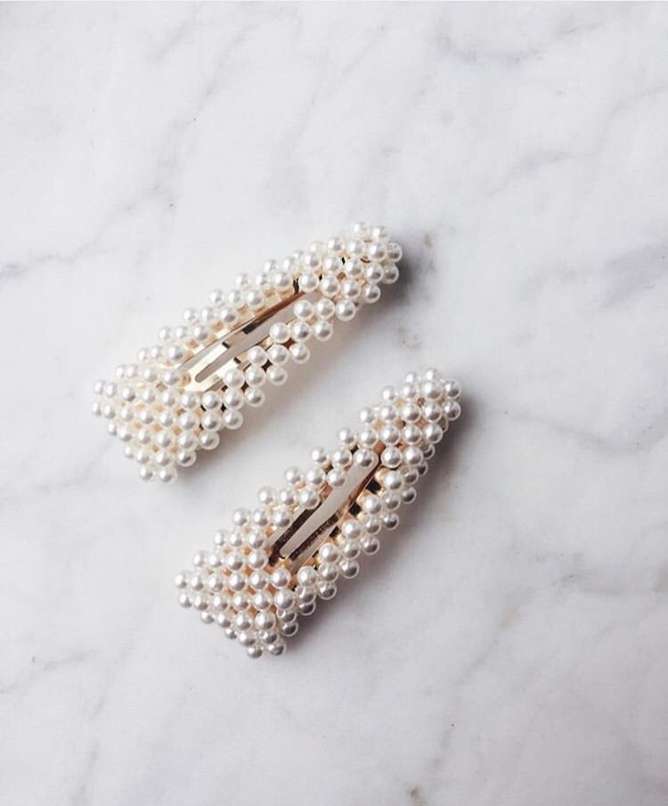 Triangle pearly hair clips