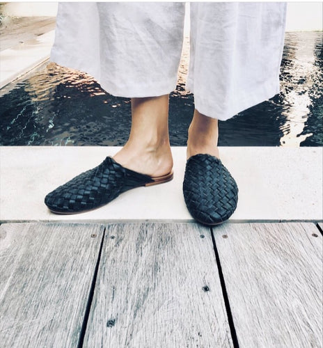 Black woven leather mule