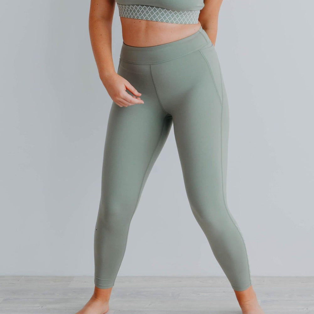 Bohemian Twist Booty Sculpt Leggings 7/8 Olive