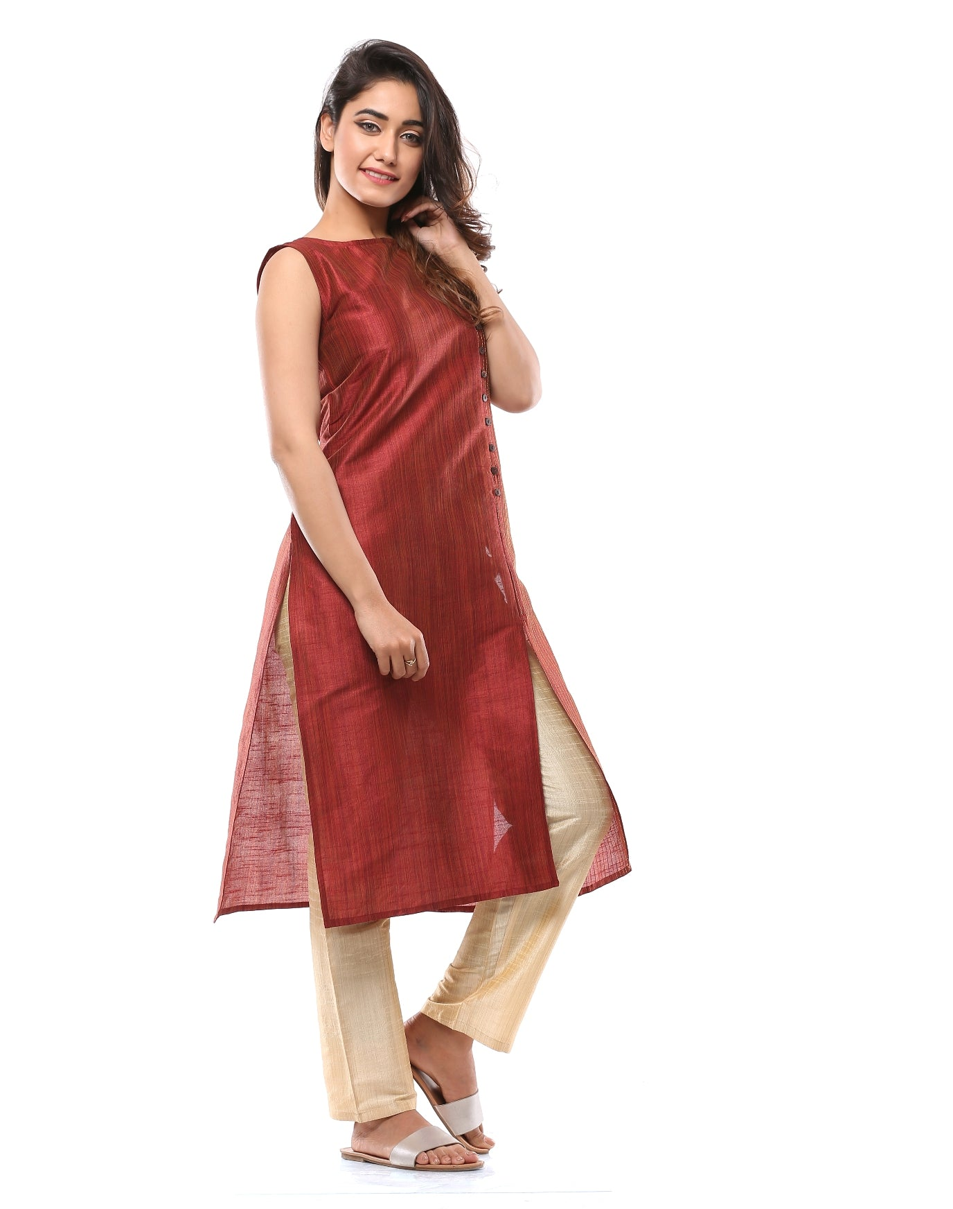 Sleeveless Kurta with Embroidery Details