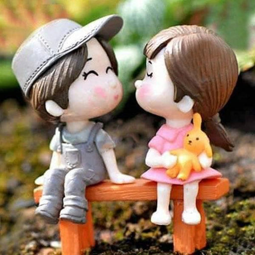 Cute Couple with bench plastic miniature garden toys - 1 set - Nurserylive