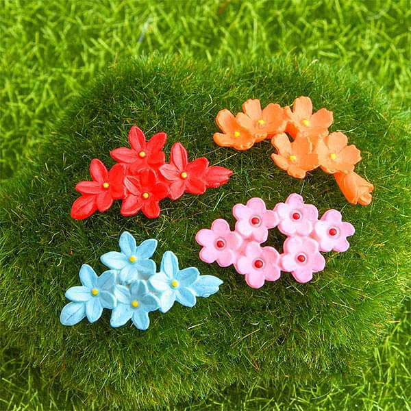 Flower brooches plastic miniature garden toys - 4 Pieces