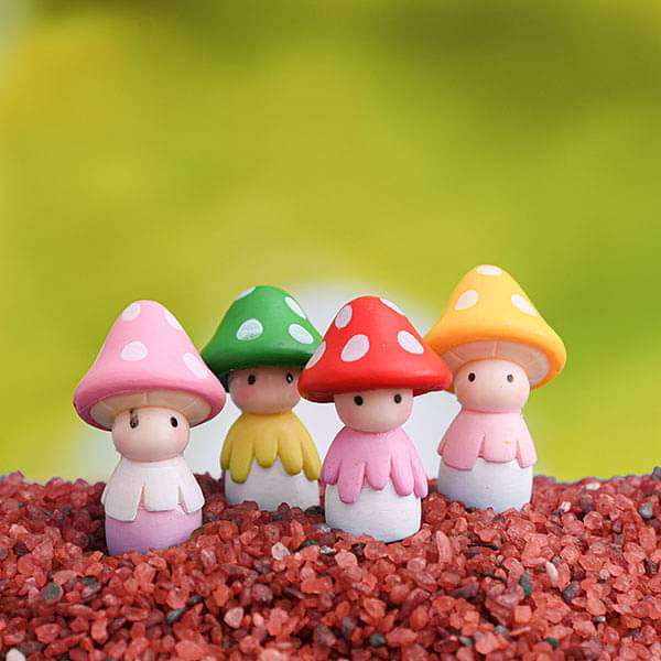Mushroom head girl plastic miniature garden toys (Random Color) - 4 Pieces