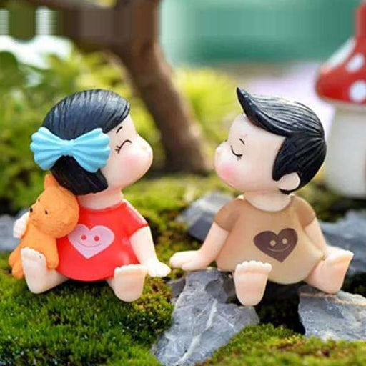 Toddler couple plastic miniature garden toys (Red, Brown)- 1 Set - Nurserylive