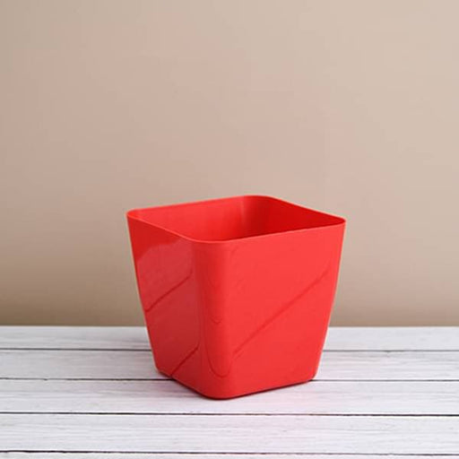 5.5 inch (14 cm) Square Plastic Planter with Rounded Edges (Red) (set of 6) - Nurserylive