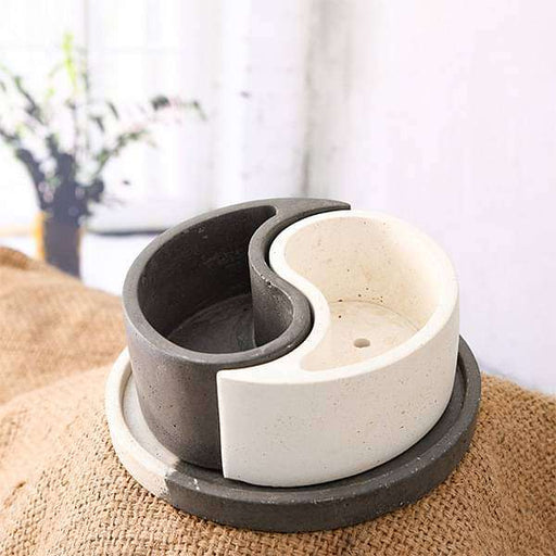 6.3 inch (16 cm) Ying Yang Concrete Pot with Plate(Rustic Black, Rustic White) - Nurserylive