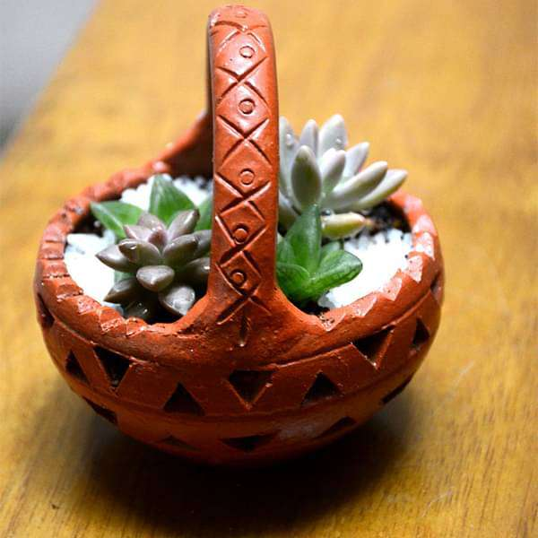 Cute succulent clay basket (4.5in Ht) - Nurserylive
