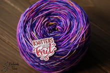 Load image into Gallery viewer, Knitters Gonna Knit - Yarn Pin