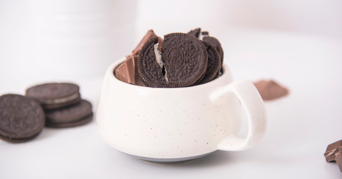 Our favourite hot chocolate recipes: Cookies & cream hot chocolate