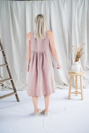 Our Model is wearing the Traveller Tunic - Linen in Dusty Rose by Matta Clothing Australia.