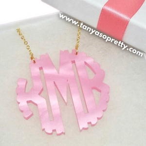 Abbey Pink Pearlized Scallop Monogram Necklace