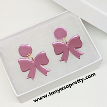 Load image into Gallery viewer, Grier Bow Earrings Pink Mirror