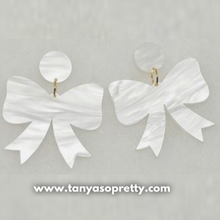 Load image into Gallery viewer, Grier Bow Earrings White