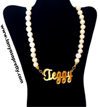 Load image into Gallery viewer, Amber Pearl Gold Name Necklaces