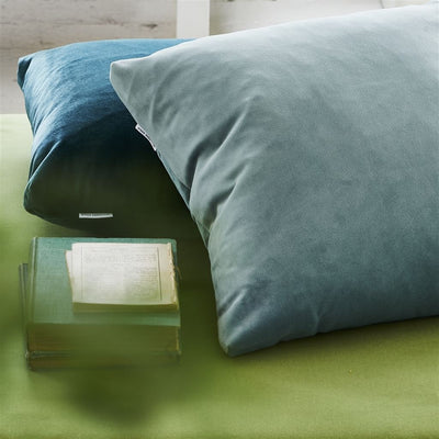 Designers Guild Essentials Velluto Stretto Smoke