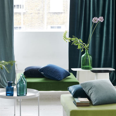Designers Guild Essentials Velluto Stretto Malachite