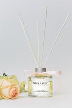Load image into Gallery viewer, Daisy Flower Luxury Reed Diffuser