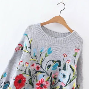 Women's Round Neck Long Sleeve Flower Embroidered Knitting Sweater