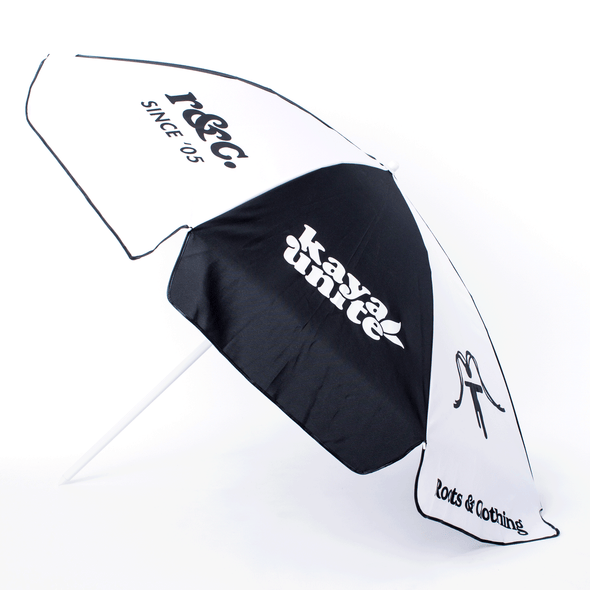BEACH UMBRELLA LOGO NEGRO