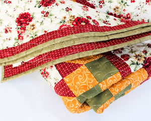 Traditional Rose - Red,Green and Gold Garden Quilt Blanket