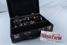 Load image into Gallery viewer, Used bb Flat Plastic Clarinet Non Branded Playable With Hardshell Case