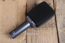 Load image into Gallery viewer, Sennheiser e309 Silver Dynamic Instrument Microphone