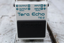 Load image into Gallery viewer, Boss TE-2 Tera Echo Delay Reverb Electric Guitar Effects Pedal with FREE Cables