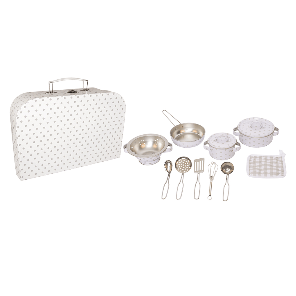 Kitchen set with case