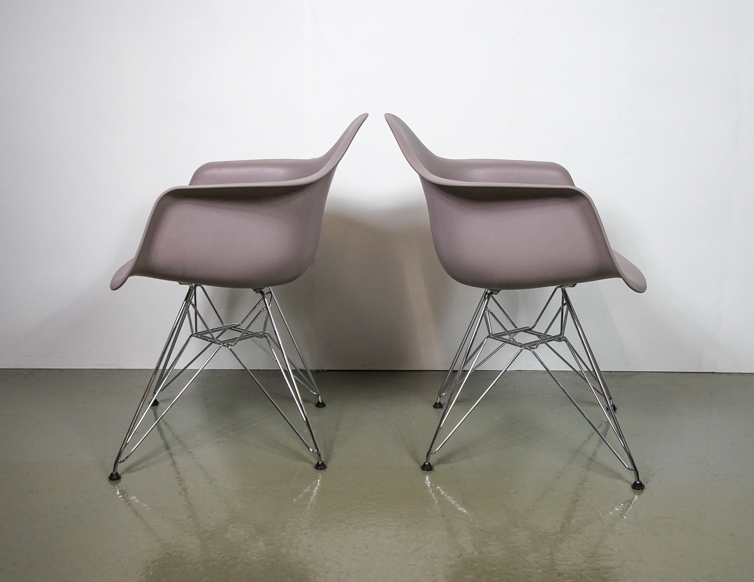 (Fast No-Contact Delivery) Vitra Eames DAR Armchair -2 units available