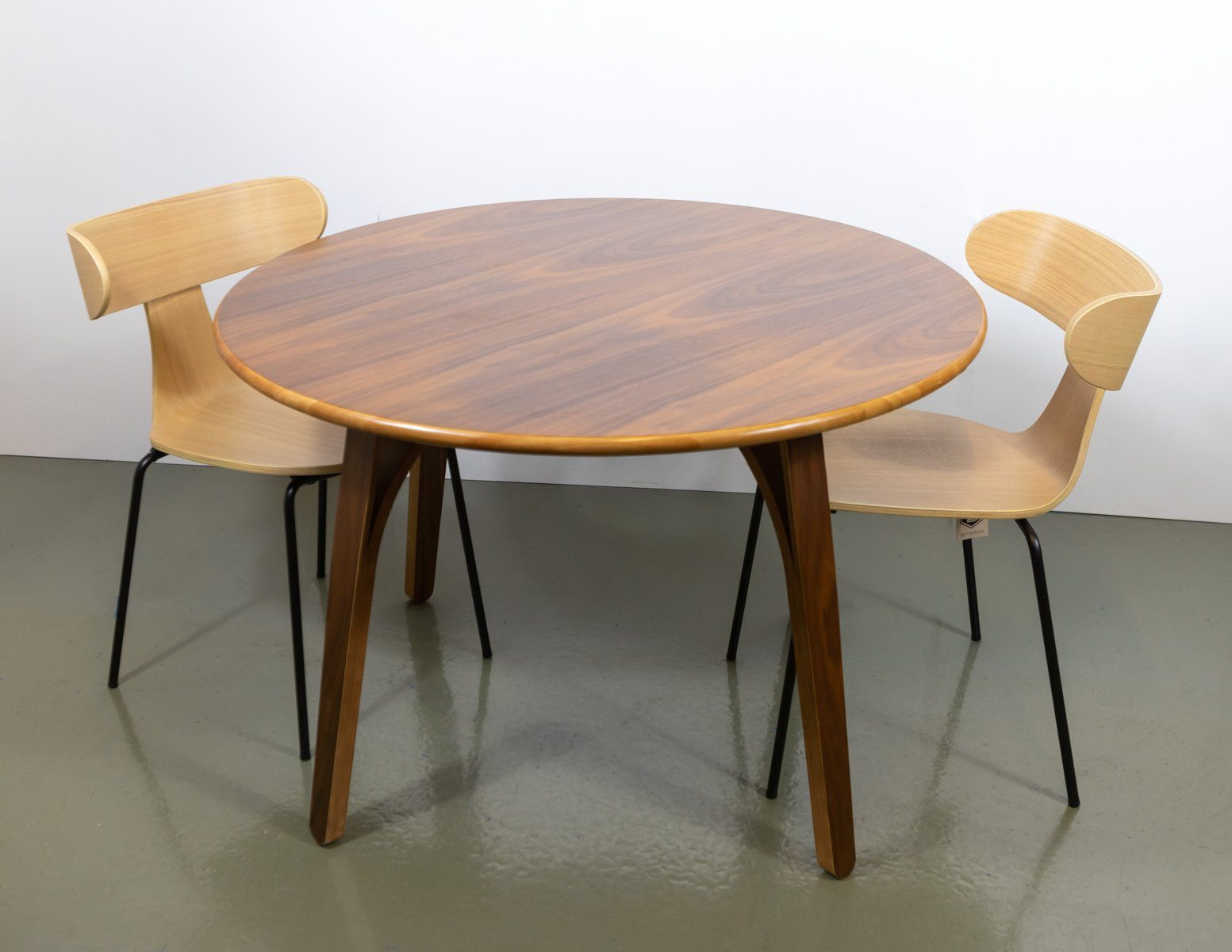 Dining Table & Chairs - 2x Brand New De Eekhoorn Form Dining Chairs