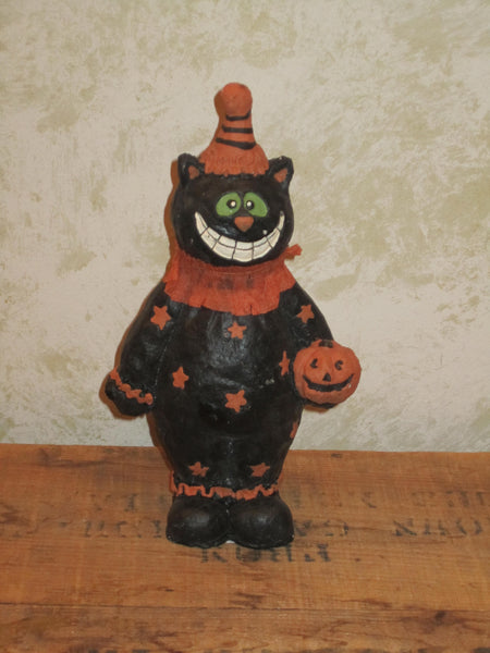 Smiling Cat Figure