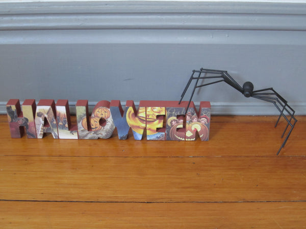 Vintage Halloween Word Sign w Spider