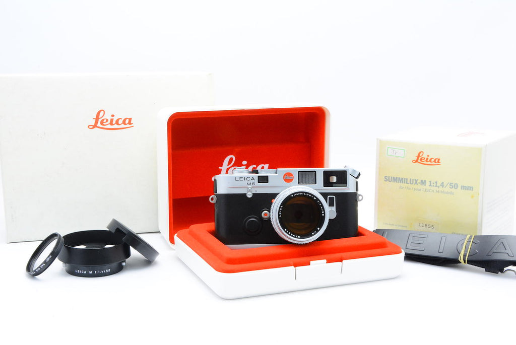 LEICA M6 Traveller Kit SN: 1931427 + Summilux-M 50mm F1.4 SN: 3495212