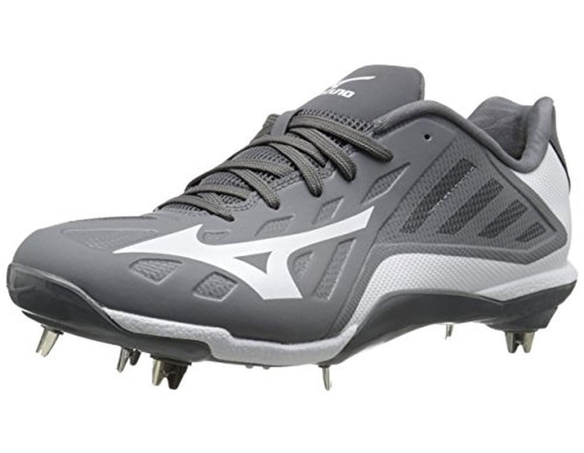 Mizuno 9-Spike Heist IQ Low Metal Cleats