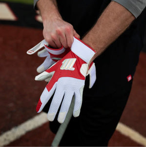 CREST BATTING GLOVES