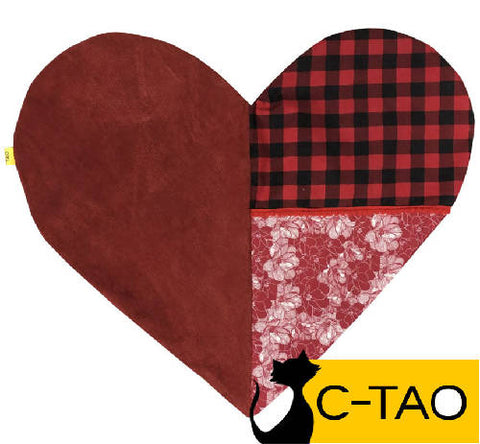 Heart-shaped cushion for cats no.04