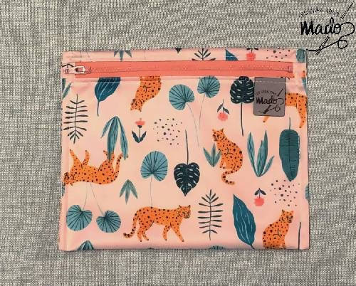 Leopard snack pouch